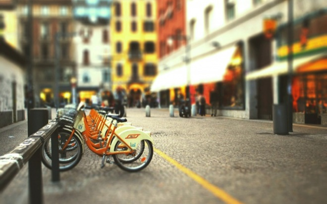 http://article.autoua.net/media/uploads/raznoe/bigpreview_bicycle-parking-tilt-shift.jpg